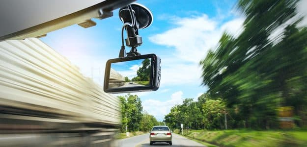 dash cam in car shows other vehicles
